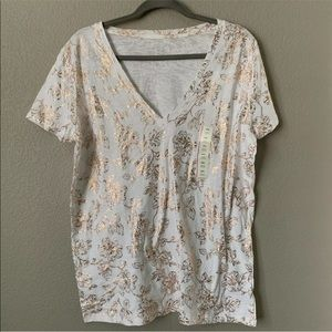 A New Day  XXLarge White Rose Gold Floral VNeck